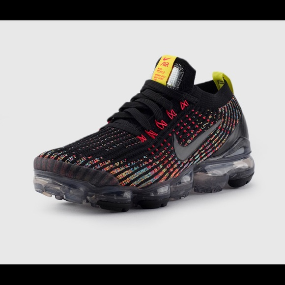 Nike Shoes - ✔️ New✔️ NIKE Air Vapormax Flyknit 3 ~ 5.5